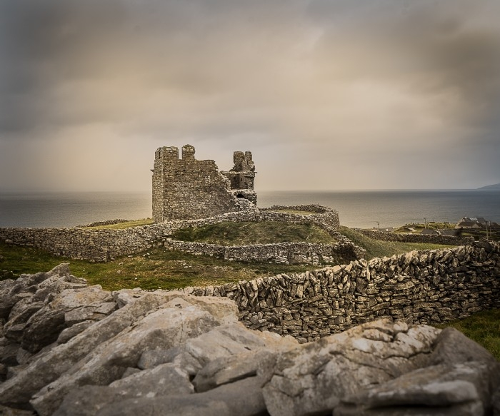 O'Briens Castle on An Tra, Aran Islands